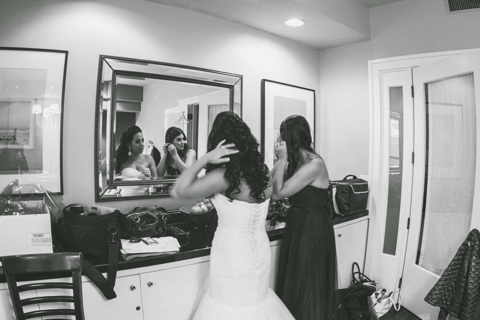 Getting ready wedding photos - cultivatedrambler.com