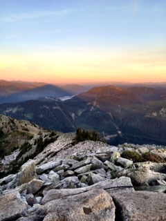 Looking east at the top of Granite Mountain - cultivatedrambler.com