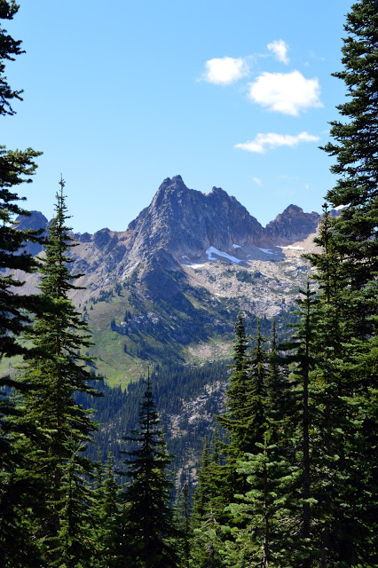 Hiking Blue Lake - North Cascades, Washington State - cultivatedrambler.com
