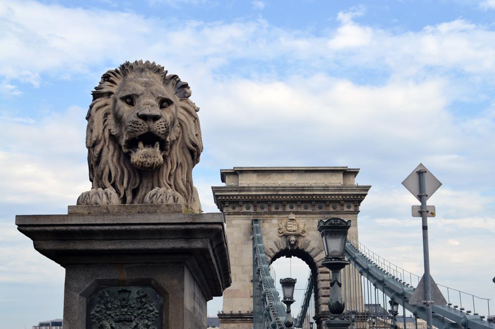 Chain Bridge, Budapest - cultivatedrambler.com
